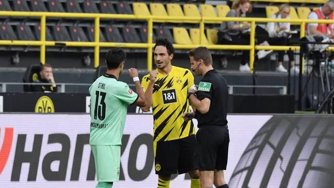 Lars Stindl (l.) und Mats Hummels (m.) kennen sich aus der Nationalmannschaft