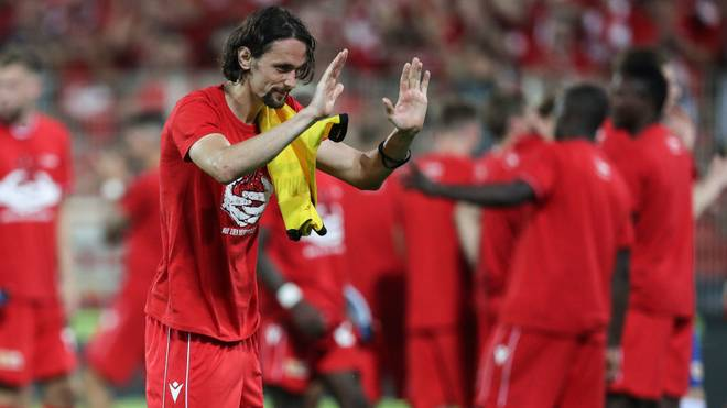 BERLIN, GERMANY - AUGUST 31: Neven Subotic of 1. FC Union Berlin shows appreciation to the Dortmund fans after the Bundesliga match between 1. FC Union Berlin and Borussia Dortmund at Stadion An der Alten Foersterei on August 31, 2019 in Berlin, Germany. (Photo by Maja Hitij/Bongarts/Getty Images)
