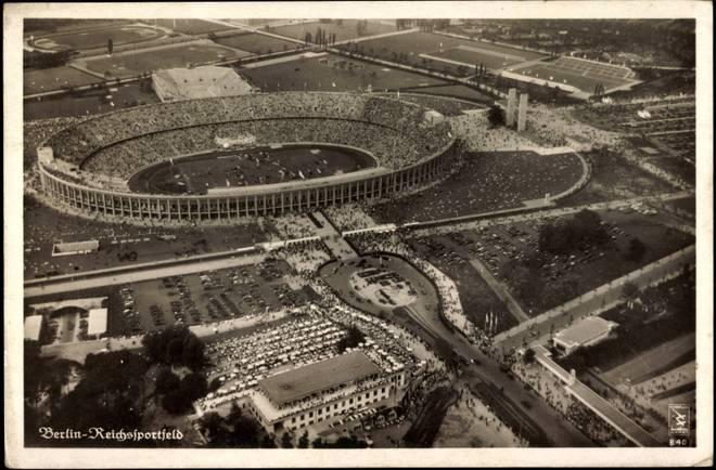 1942 verfolgten 75.000 Zuschauer im Stadion das Pokalendspiel