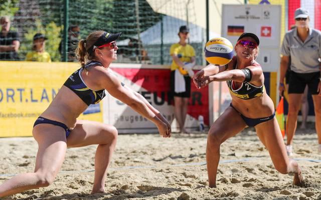 Karla Borger und Julia Sude sind den Kleidervorschriften beim Beach-Turnier in Katar nicht einverstanden