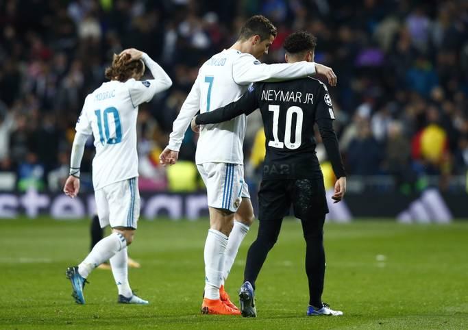 Der Kracher zwischen Real Madrid und Paris Saint-Germain steht - wie prognostiziert - im Zeichen der Superstars Cristiano Ronaldo und Neymar. Zwei weitere große Namen bleiben blass. Die Spieler in der SPORT1-Einzelkritik