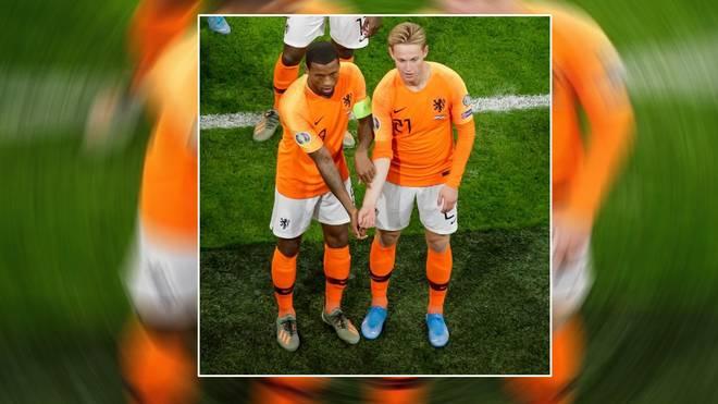 Georginio Wijnaldum (l.) und Frenkie de Jong (r.) setzten ein Zeichen gegen Rassismus