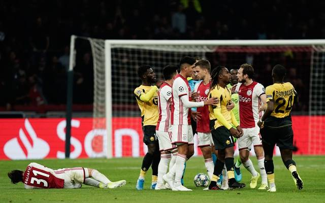 Renato Sanches entging nach einer Attacke gegen Nicolás Tagliafico (l.) nur knapp einer Roten Karte