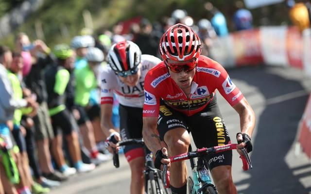 Primoz Roglic (r.) ist Spitzenreiter der Vuelta 2019