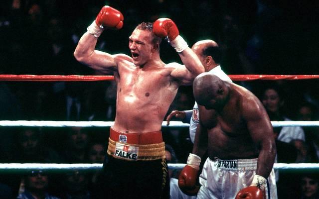 Axel Schulz freute sich nach dem Kampf gegen George Foreman 1995 zu früh