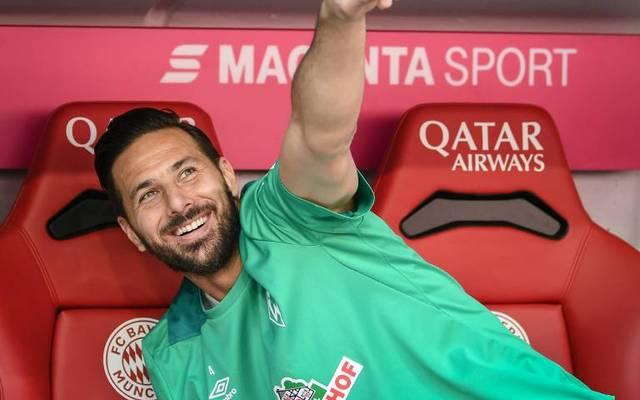 Der Markenbotschafter des FC Bayern Claudio Pizzaro spielte in seiner aktiven Karriere sowohl für Werder Bremen als auch für Bayern München