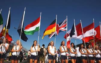 Willkommen in der Formel 1: Sport1.de zeigt den etwas anderen Rückblick 2008 und die wirklich schönsten Bilder der vergangenen Saison