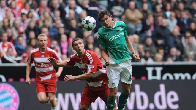 Sebastian Boenisch (r.) spielte von 2007 bis 2012 für Werder Bremen