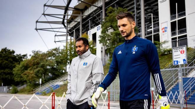 HSV-Coach Daniel Thioune (l.) hat Sven Ulreich zur neuen Nummer eins ernannt