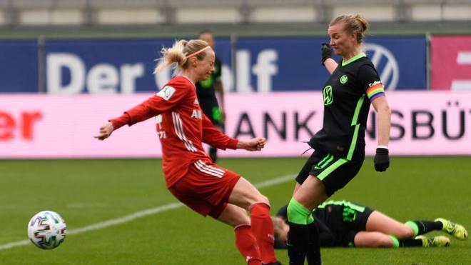 Alexandra Popp (r.) leitete den Sieg gegen Bayern ein - musste aber verletzt raus