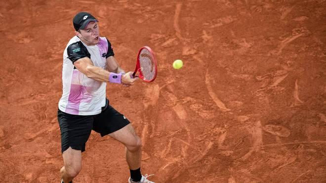 Dominik Koepfer muss sich im Duell mit Roger Federer geschlagen geben