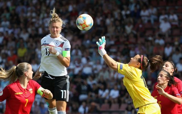 Alexandra Popp erzielte drei Tore gegen Montenegro