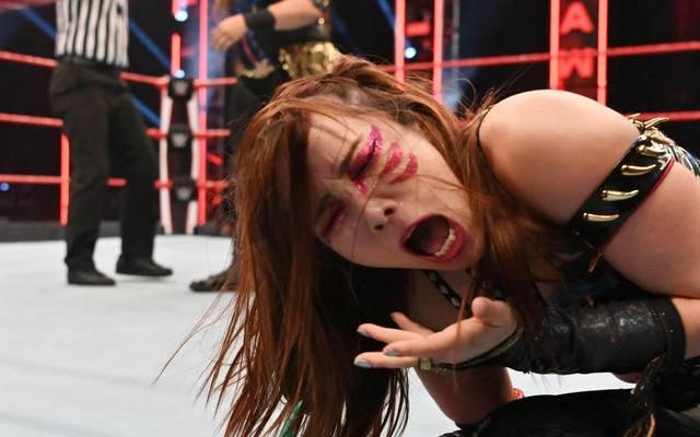 Kairi Sane verlor bei WWE Monday Night RAW klar gegen Nia Jax