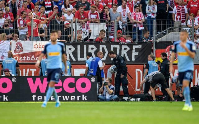 Nach einem Böllerwurf wurden in Köln zwölf Personen verletzt
