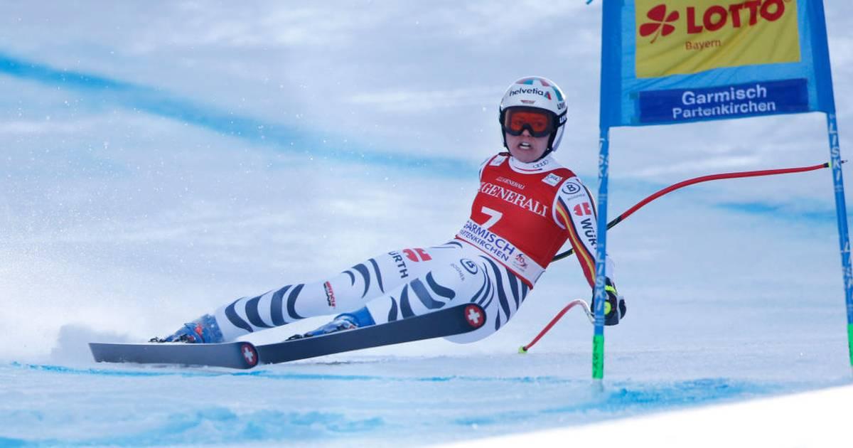Viktoria Rebensburg nach Sturz im Super-G von Garmisch raus
