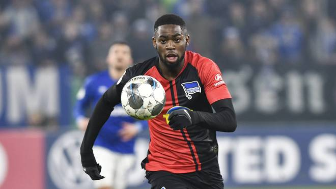 Beim DFB-Pokalspiel zwischen Hertha BSC und Schalke 04 wird Jordan Torunarigha Opfer von Rassismus