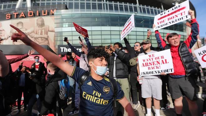 Unter anderem beim FC Arsenal gingen die Fans auf die Barrikaden