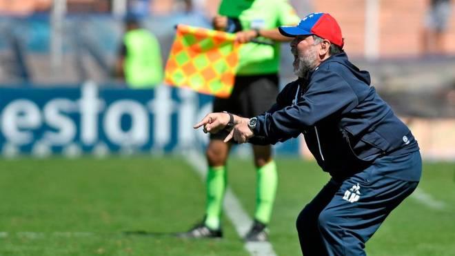 Diego Maradona zeigte vollen Körpereinsatz an der Seitenlinie