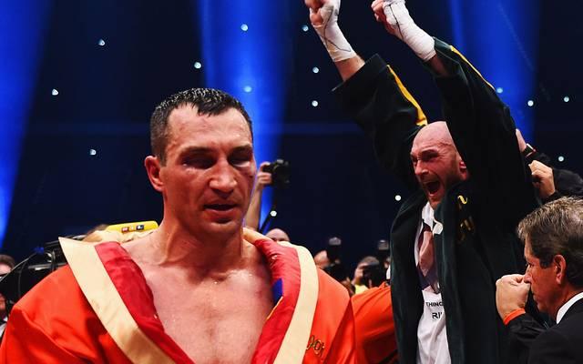 Tyson Fury (r.) besiegte Wladimir Klitschko 2015 nach Punkten