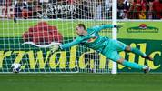 FREIBURG IM BREISGAU, GERMANY - OCTOBER 26: Peter Gulacsi of RB Leipzig fails to save as Nils Petersen of Sport-Club Freiburg (not pictured) scores Sport-Club Freiburg's second goal during the Bundesliga match between Sport-Club Freiburg and RB Leipzig at Schwarzwald-Stadion on October 26, 2019 in Freiburg im Breisgau, Germany. (Photo by Daniel Kopatsch/Bongarts/Getty Images)