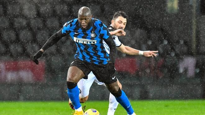 Inter Mailand konnte den Patzer des Stadtrivalen nicht nutzen