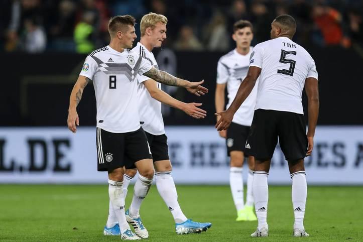 Die deutsche Nationalmannschaft hat eine Länderspielphase mit Licht und noch mehr Schatten hinter sich. Der schwachen Vorstellung gegen die Niederlande folgte eine etwas verbesserte Leistung bei Nordirland