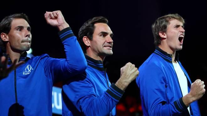 Alexander Zverev (r.) spielt zum Auftakt der ATP-Finals gegen Rafael Nadal (l.)