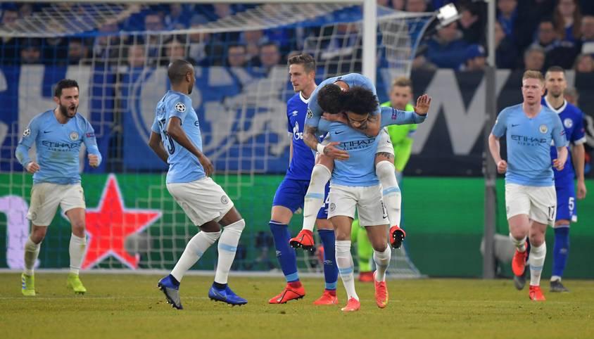 Leroy Sane leitet an alter Wirkungsstätte mit einem Traumfreistoß die Wende für Manchester City ein. Nach dem Achtelfinal-Hinspiel der Champions League auf Schalke ist in den Medien der Wirbel um den Videobeweis ein bestimmendes Thema