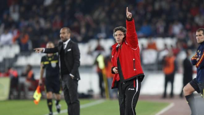 Juanma Lillo (M.) verstärkt das Trainerteam von Pep Guardiola (l.) bei Manchester City