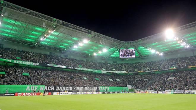 Bei Flutlichtspielen erstrahlt der Borussia-Park in Grün wie hier in der Europa-League