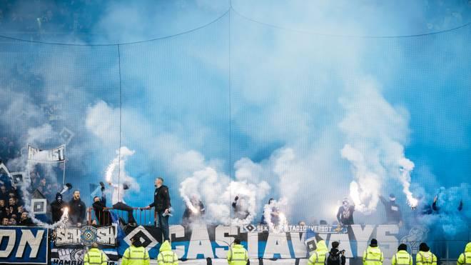Der Hamburger SV darf als erster Verein in Deutschland kontrolliert Pyrotechnik abbrennen
