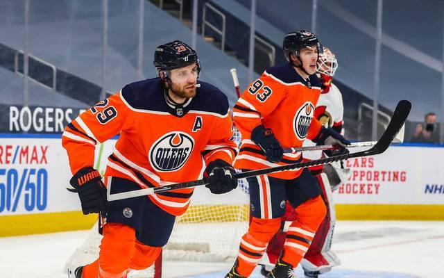 Leon Draisaitl (l.) steht seit August 2014 bei den Edmonton Oilers unter Vertrag