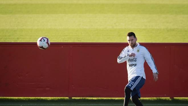 Lionel Messi darf wieder mit dem individuellen Training starten