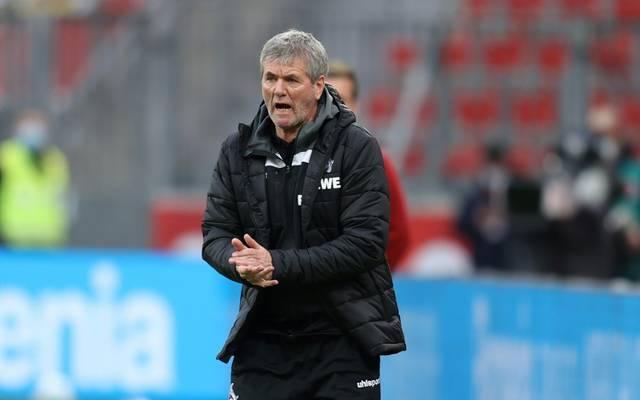Friedhelm Funkel verliert bei seinem Trainer-Comeback