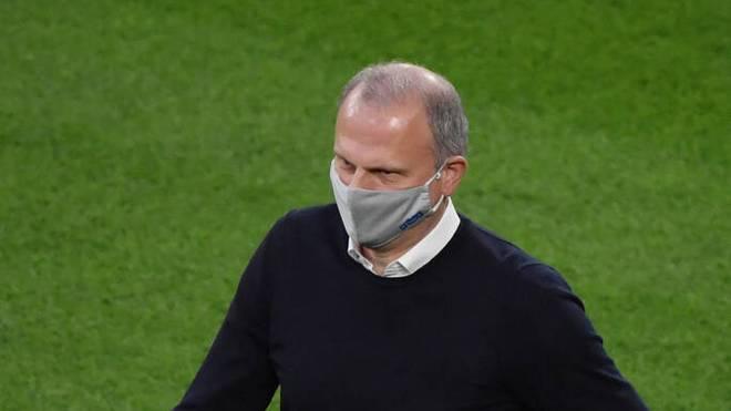 Jochen Schneider steht bei den Schalke-Fans in der Kritik