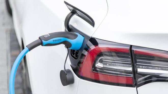 Ab 2020 könnten sogenannte CO2-Rabatte zu zusätzlichen Preisnachlässen beim Neukauf von emissionsarmen Autos führen