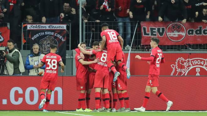 Bayer Leverkusen feiert einen hart umkämpften Sieg gegen Schalke