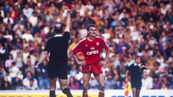Manfred Bender spielte unter anderem für den FC Bayern, den Karlsruher SC und 1860 München