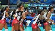 So gehen die Dominikanerinnen, die Dominikanerinnen gehen so: Auf jeden Fall feiern die Nationalspielerinnen ihren Erfolg gegen Aserbaidschan