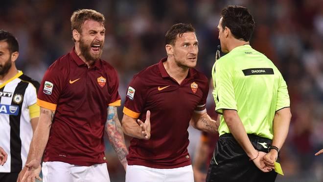 Daniele de Rossi (l.) könnte neuer Trainer von Franck Ribéry werden