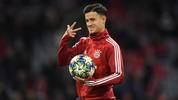 Bayern Munich's Brazil midfielder Philippe Coutinho gestures  during the warm up prior the UEFA Champions League Group B football match FC Bayern Munich v Olympiakos in Munich, southern Germany, on November 6, 2019. (Photo by Christof STACHE / AFP) (Photo by CHRISTOF STACHE/AFP via Getty Images)