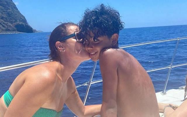 Cristiano Ronaldo jr mit seiner Tante Elma im Urlaub