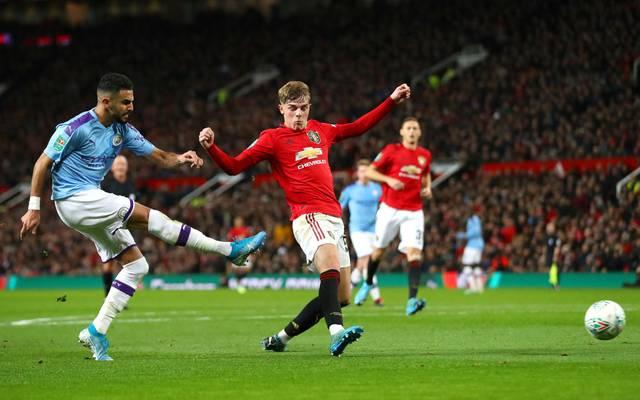 Riyad Mahrez (li.) und Manchester City waren im Hinspiel gegen Manchester United nicht zu stoppen