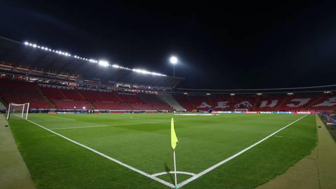 Im Stadion von Roter Stern Belgrad könnte bald wieder der Ball rollen