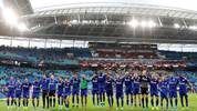 LEIPZIG, GERMANY - SEPTEMBER 28: Players of FC Schalke 04 celebrate following their sides victory in the Bundesliga match between RB Leipzig and FC Schalke 04 at Red Bull Arena on September 28, 2019 in Leipzig, Germany. (Photo by Boris Streubel/Bongarts/Getty Images)