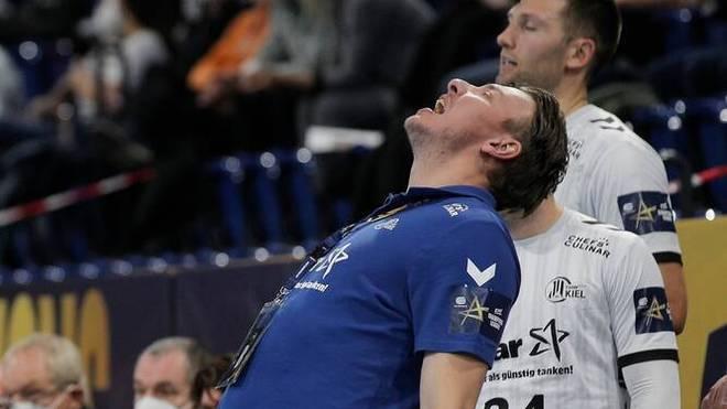 Der THW Kiel um Trainer Filip Jicha sind wütend wegen der Corona-Verordnungen und das Termin-Beharren in der Handball-Bundesliga