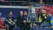 FC Bayern Thomas Müller Kung Fu Tritt