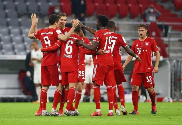 Der FC Bayern kämpft sich ins DFB-Pokalfinale. Beim 2:1-Sieg gegen Eintracht Frankfurt müssen die Münchner viel investieren. Die Teams in der SPORT1-Einzelkritik