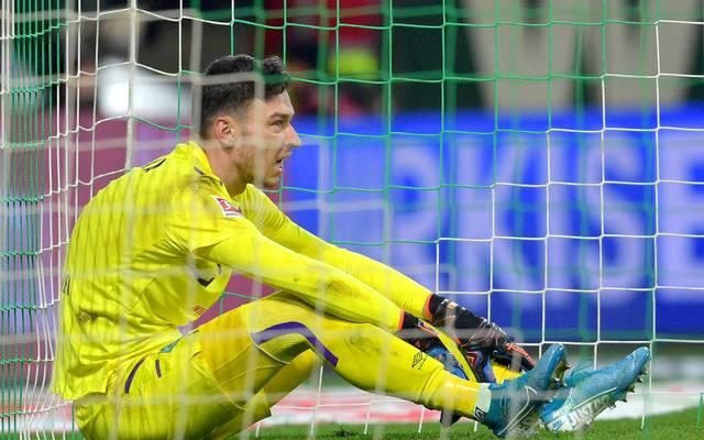 Torwart Jiri Pavlenka fehlt Werder Bremen bei der Hertha