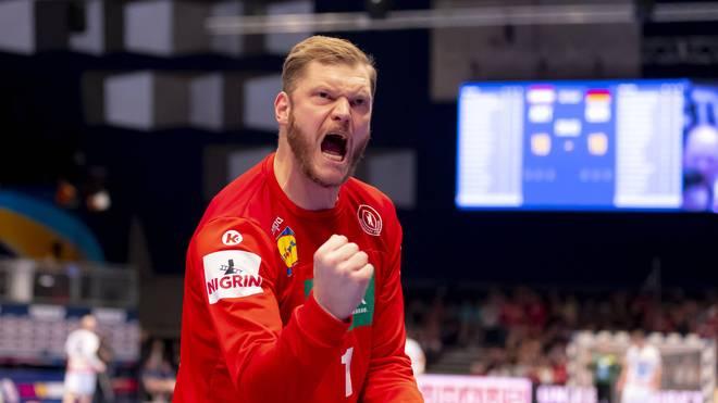 DHB-Torwart Johannes Bitter schreit seine Freude heraus